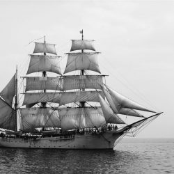 Unidentified_sailing_ship